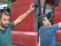 Bu TIR şoförü aracını parfümle çalıştırıyor