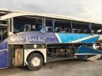 Yolcu otobüsü devrildi: Çok sayıda ölü ve yaralı var