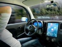 Tesla, Araçlarında' Kendi Kendine Sürüş' Özelliğini Kaldırdı