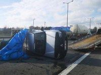 Vidanjörle kamyonet çarpıştı, TEM kilitlendi