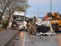 Çanakkale'de feci kaza: İşçi minibüsü-TIR çarpıştı
