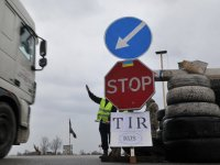 TIR'larımız Rusya'ya gidemiyor, taşıma yabancıya kaldı