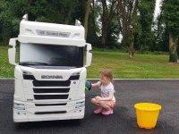 Scania'nın küçük akülü modeli fenomen oldu