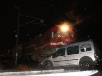Yine tren kazası: Yük treni aracı biçti