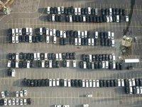 Yüzlerce UBER aracı otoparklara çekildi