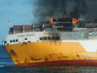 Grimaldi'nin Ro-Ro'su önce yandı, sonra battı