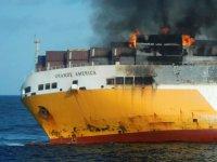 Batan gemiyle birlikte 2 bin araç da sulara gömüldü