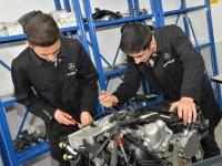 Mercedes'ten meslek liselerine teknolojik destek