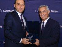 """Lufthansa'dan Arkas Lojistik'e """"Yılın Kargo Acentesi"""" Ödülü"""