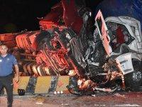 1 TIR, 1 kamyon, 1 minibüs birbirine girdi