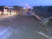 İstanbul Havalimanı yolunda kaza, yol trafiğe kapatıldı