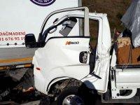Park halindeki TIR'a çarptı: İki kişi hayatını kaybetti