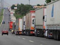 Türk TIR'ı yatıyor, Avrupa TIR'ı taşıyor: Zarar 250 milyon Euro