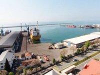 Mersin Büyükşehir, Taşucu Limanı'nından çekiliyor