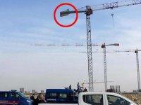 Çukurova Havaalanı işçilerinden  maaş eylemi