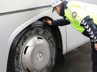 351 yolcu otobüsü, trafikten men edildi