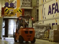 AFAD'ın Düzce deposundan Malatya'ya 6 TIR yatak gitti