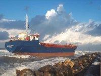 Türk kargo gemisi, Hatay'da karaya oturdu