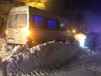 Gümüşhane-Trabzon kara yoluna çığ düştü
