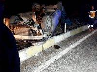 Yolcu otobüsüyle otomobil çarpıştı: 3 ölü, 1 yaralı
