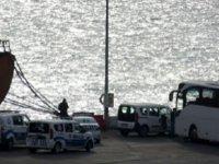 Ukrayna'da kalan 12 TIR şoförü gemiyle getirildi