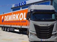 IVECO'dan Demirkol'a 10 adet S-WAY çekici teslimatı