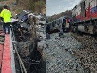 Yine iki tren kafa kafaya çarpıştı
