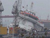 Tersanede bir gemi daha yan yattı